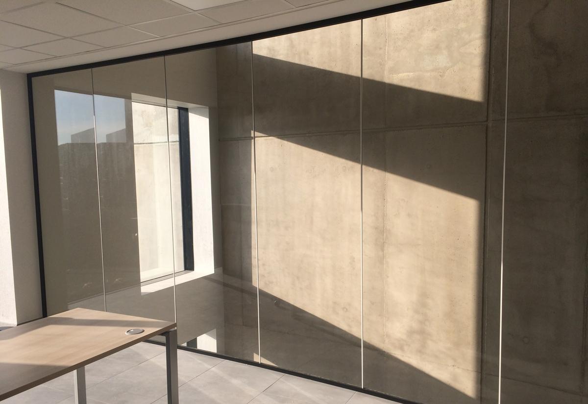cloison verre top cloison en verre interieur cloisons cloisons amovibles bureaux ameublement de. Black Bedroom Furniture Sets. Home Design Ideas